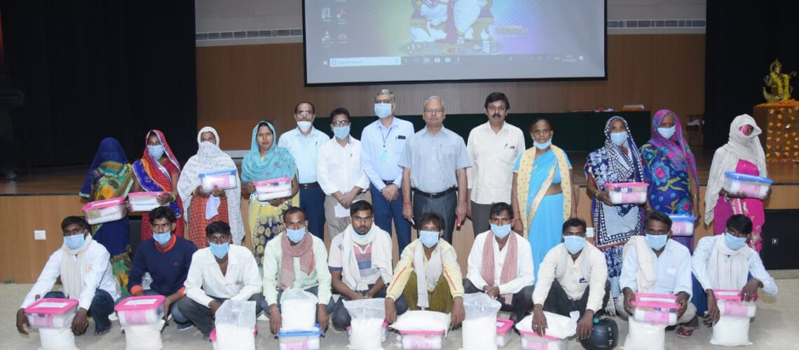 distribution-of-first-aid-kits-to-schedule-caste-animal-keepers-under-dimsca-project-funded-by-icar