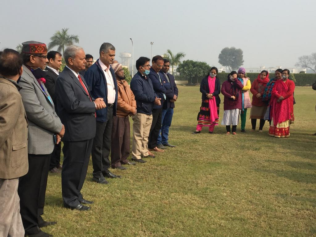 honble-vice-chancellor-duvasu-mathura-addressing-officers-and-employees-of-university-on-the-occasion-of-new-year-2021