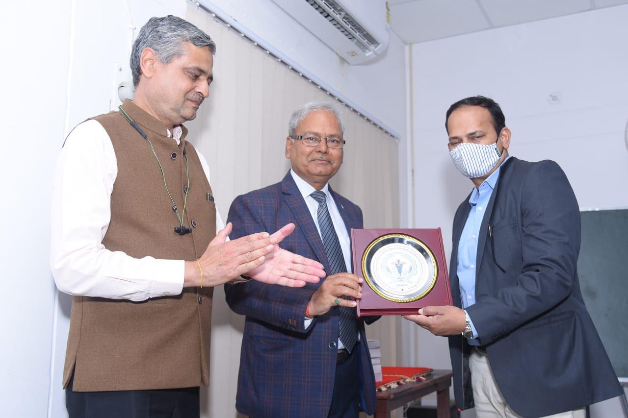 Hon'ble Minister, AHD,Dairy Development &Fisheries Development, Government of Maharashtra-Shri Sunil Chhatrapal Kedar visited the University Goat Unit alongwith AH officials of Maharashtra