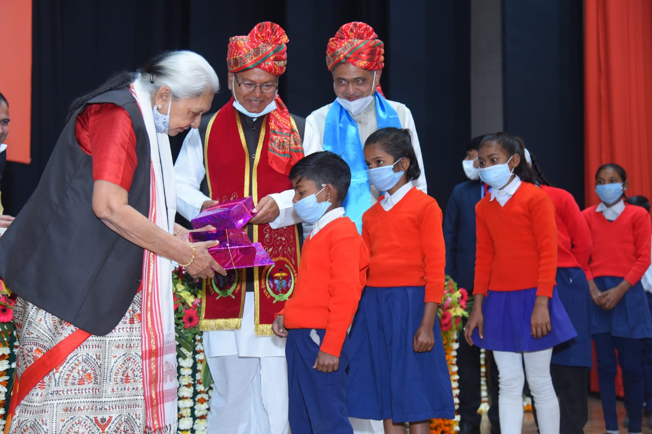 Books and fruits distribution to school students by Hon'ble Chancellor
